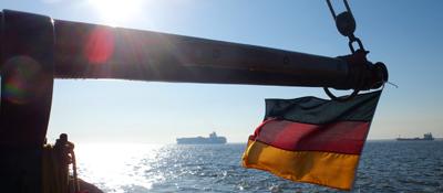 Bild: Flaggendokumente © Jörg Heuckeroth / BG Verkehr