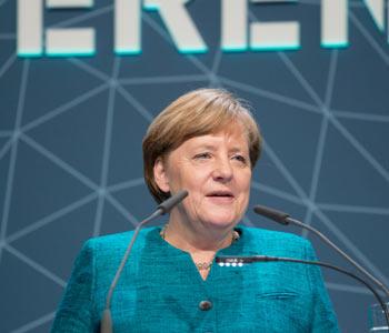 Kanzlerin appelliert: Mehr deutsche Flagge